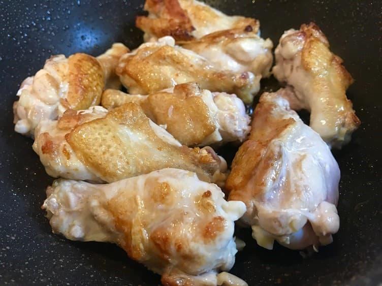 鶏手羽の黒酢煮生青海苔と豆腐の中華スープの画像