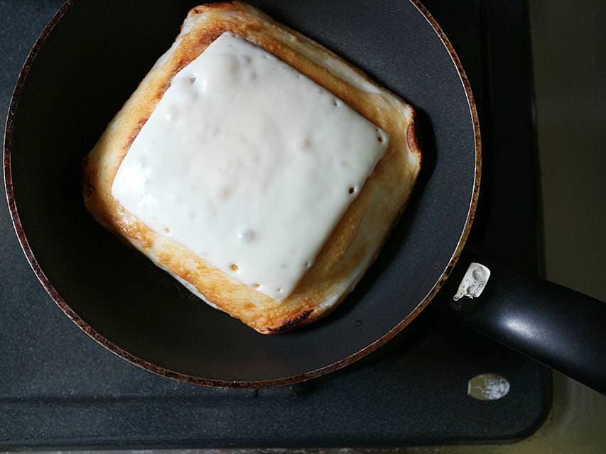 ツレヅレハナコ おつまみ ビール ハイボール はんぺん おでん 練りもの 薬味 ミョウガ チーズ 焼きはんぺんのチーズみょうがのせ レシピ 簡単