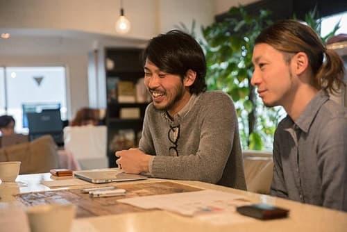 「KitchHike」共同代表・山本雅也さん(左)藤崎祥見さん(右)