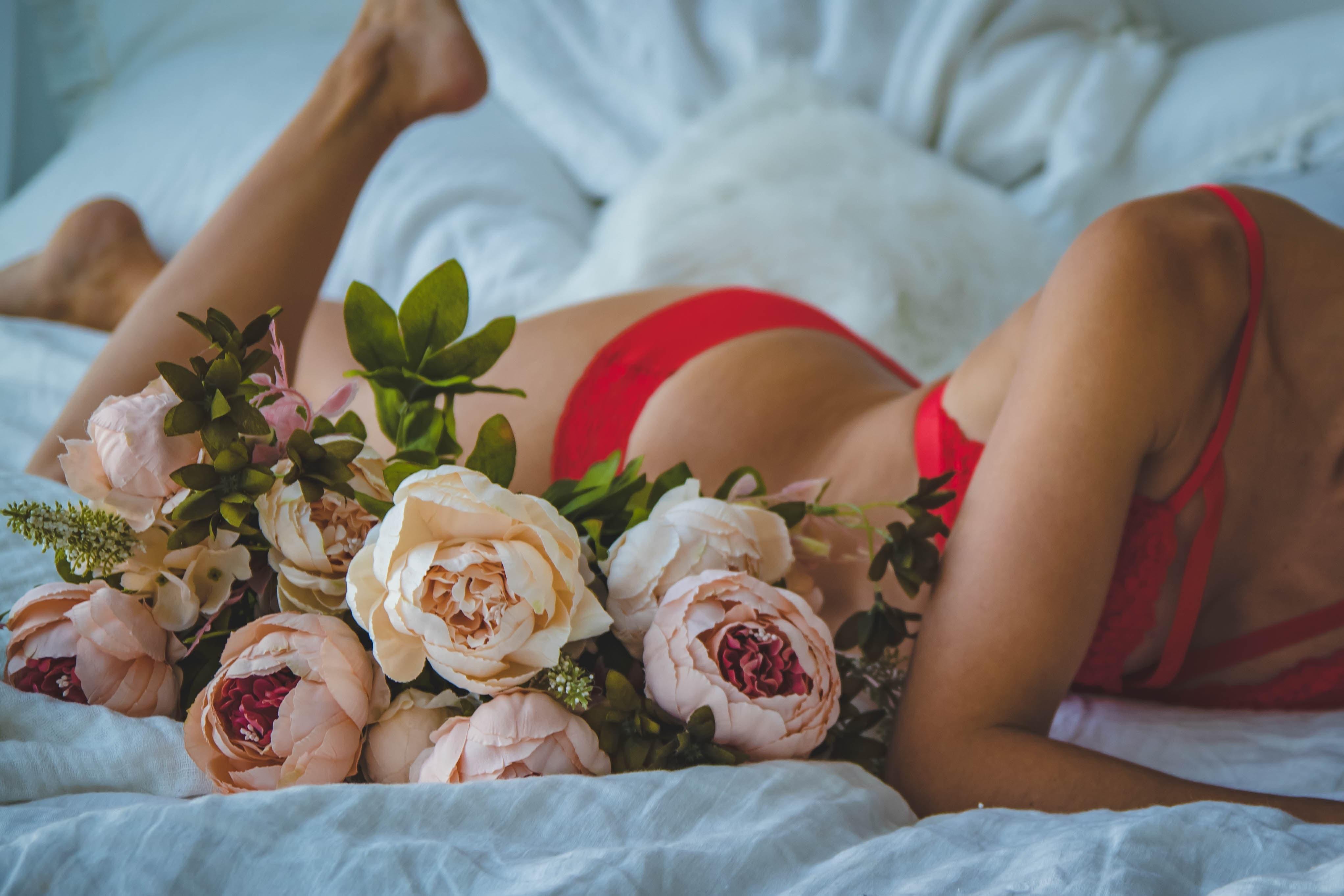 セックスレスと性交痛に悩む女性の画像