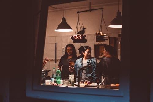 嫁姑で料理する画像