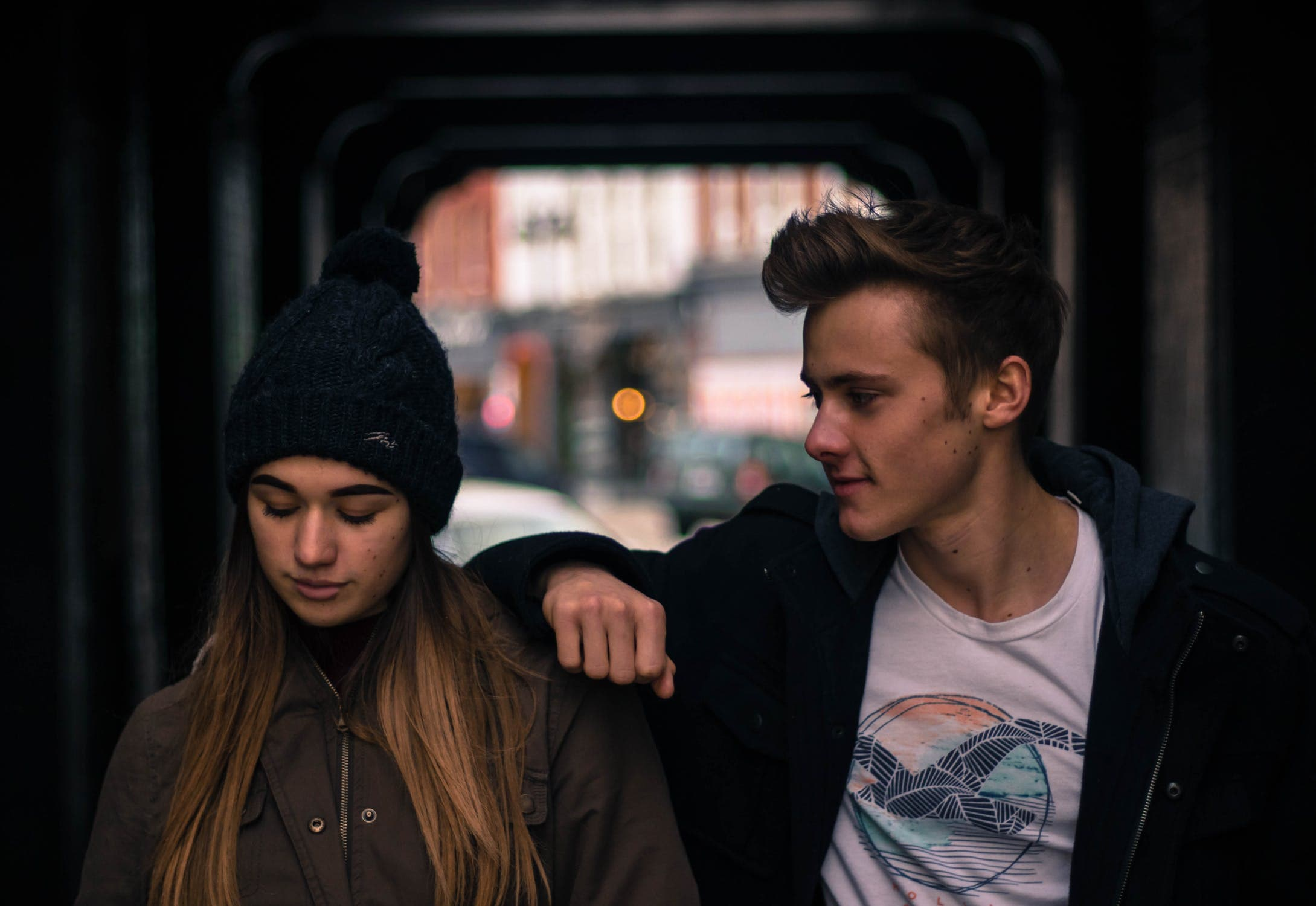 彼氏に対して病む女性の画像