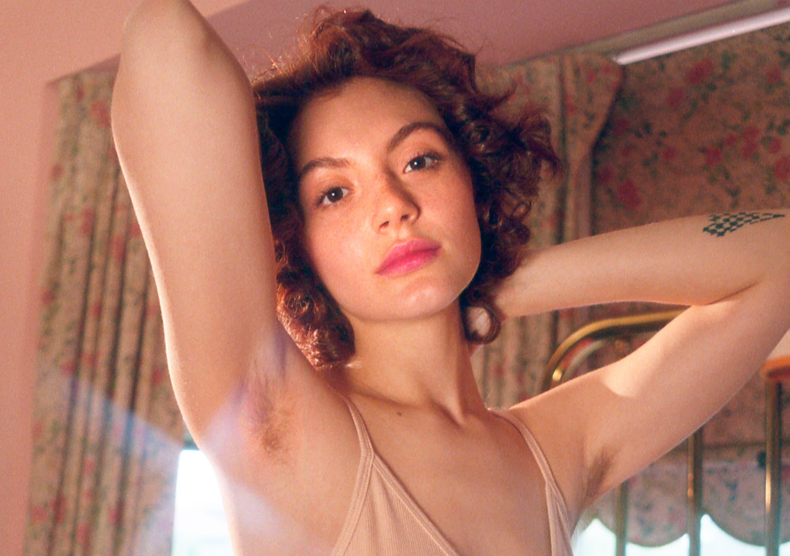 女性の腋毛