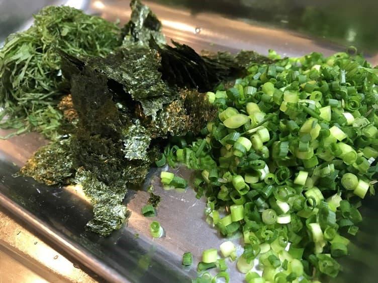 赤身のうまみが引き立つヘルシーで美味しい健康的なまぐろのヅケ丼のレシピ画像②