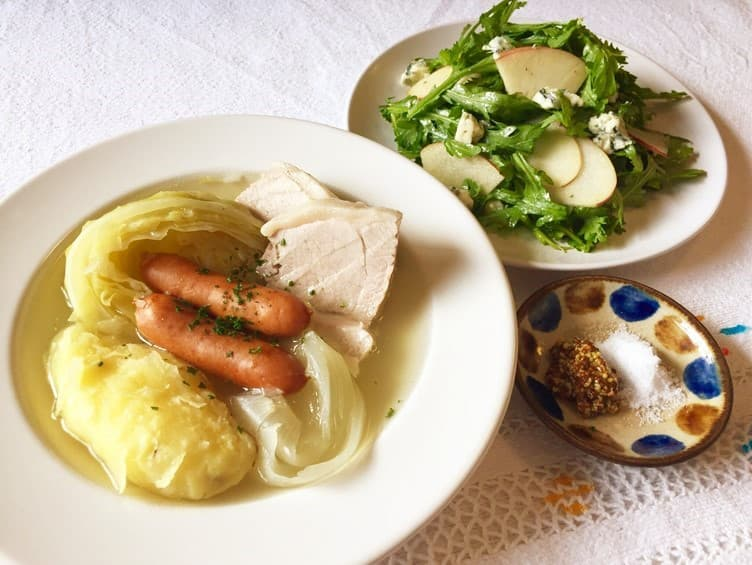 ヒモ まいったねぇ レシピ 塩漬け豚のポトフ リンゴと春菊のブルーチーズサラダ