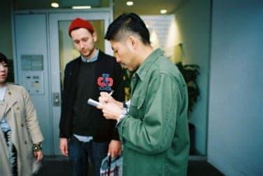 イケメンゲイカップルの桜舞い散る東京デート/写真家・松藤美里撮り下ろし