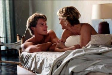 """年下男子を虜に!ナオミ・ワッツ&ロビン・ライトが互いの息子に抱かれる""""禁断の愛""""を熱演『美しい絵の崩壊』"""