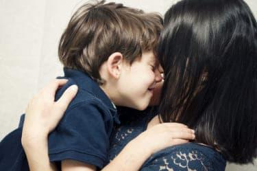 「オッパイに甘えていいのよ」で思春期の息子が暴走!実母との禁断の関係/『実母と義母の誘い ふたりの母』(前編)