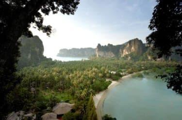 タイの秘境リゾート『ラヤバディクラビ』