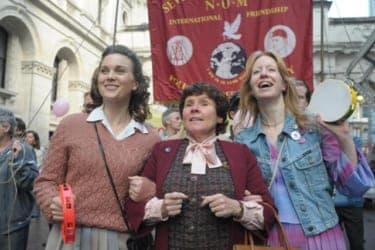 炭坑労働者と同性愛者がプライドを賭けた『パレードへようこそ』で世界を変える!