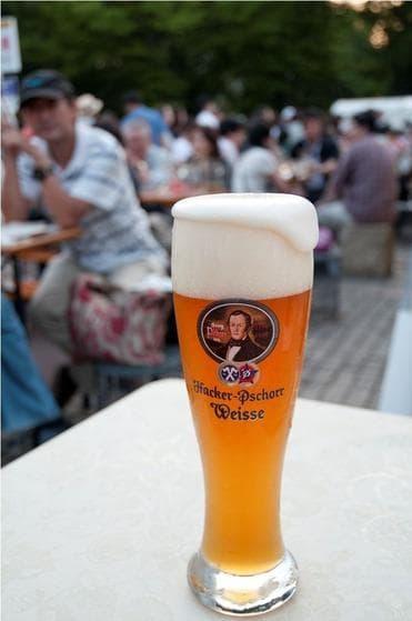 本場のドイツビールとソーセージを野外で!『お台場オクトーバーフェスト2012』