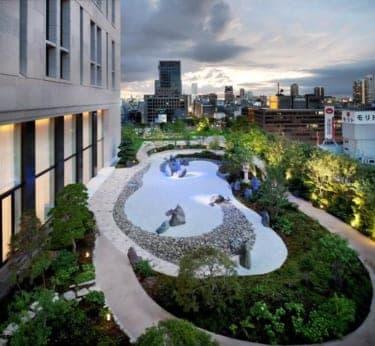 セントレジスホテル大阪で楽しむ「テラス ビア ガーデン」