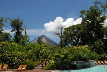 熱帯雨林の温泉リゾート!?『タバコン・グランドスパ・サーマルリゾート』