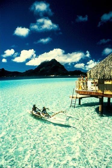 タヒチ・ボラボラ島で水上バンガローにお泊り♪