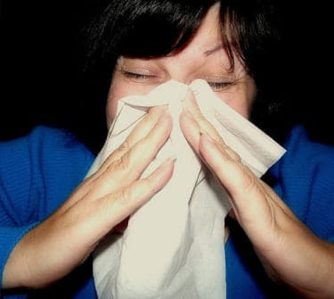 あえぎ声は喉が酷使されやすい!セックス時の風邪予防法