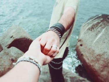 「俺以外の男と連絡とるな!」は正直、萌える「支配されたい」に潜む本当の欲望