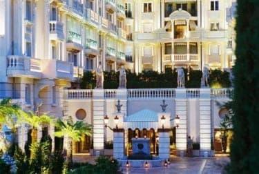 地中海の絶景を眺めながらセレブ気分『ホテル メトロポール モンテカルロ』