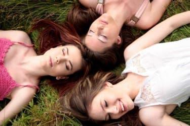 女3人でAV試聴会!女性脚本家による『一族のしきたり』は女が濡れるシーンが満載だった