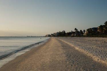 守られなかった「2年経ったら結婚」という約束…お金のない彼と海辺の町へ