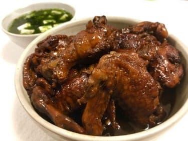 ついにヒモ卒業!?平日の仕事終わりにササッと作れる「鶏手羽の黒酢煮」