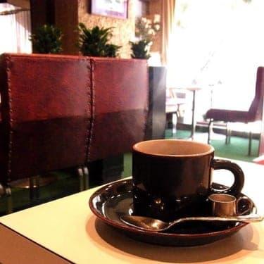 『沈まぬ太陽』ロケ地、美しい純喫茶「ゆうらく」の頼もしい後継者