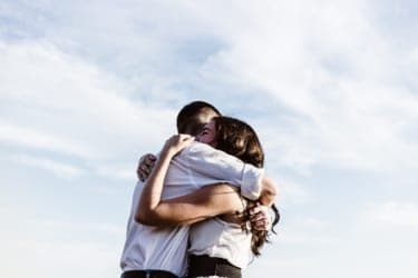 友達に「恋人ができた」と言われると、嫉妬する。恋愛感情はないのになぜ?