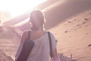 女の一人旅は物語の終わりを始まりに変える