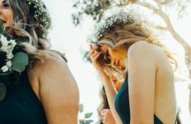 なんで私を結婚式に呼ぶの?もう接点がない友人を祝福できない私の罪悪感