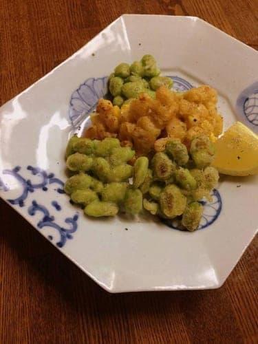 夏野菜の甘みを天ぷら粉がふわっとカリッと包み込む「とうもろこしと枝豆のおやき」