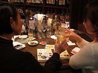 外飲みのおひとりさまデビューは酔った勢いで!ツレヅレハナコ×新久千映対談(後編)