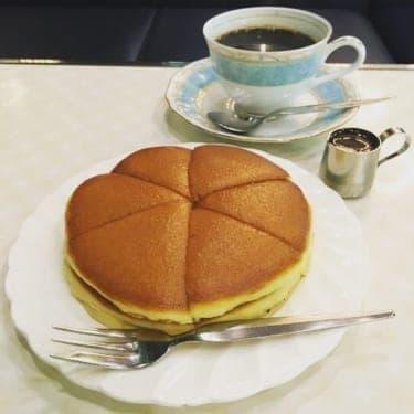 熱々のホットケーキを召し上がれ!大阪メトロでめぐる純喫茶のおいしい旅
