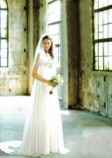 "vol.12""アーネラ クロージング""のドレスをガーデンウェディングで"