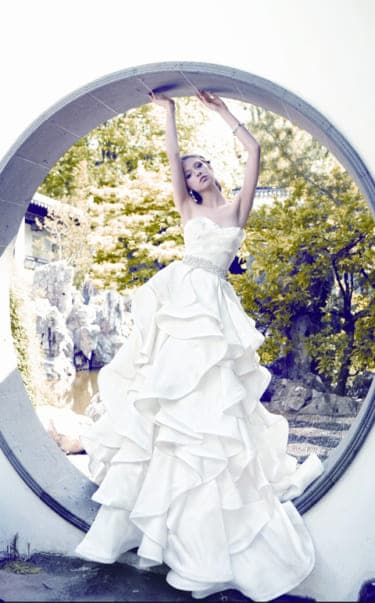 """vol.66""""ユミカツラ ニューヨーク""""の揺れる様が美しいドレス"""