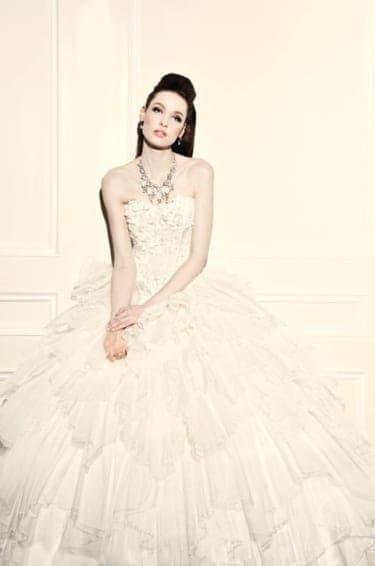 """vol.65""""ユミカツラ ニューヨーク""""のフリルがゴージャスな大人かわいいドレス"""