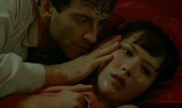 愛する女の愛を勝ち取るために、男は抗争に立ち向かう『狂気の愛』
