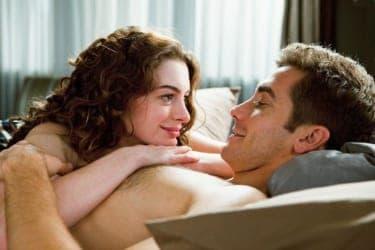 カラダから始まるラブストーリーにも、純愛はある?『ラブ&ドラッグ』