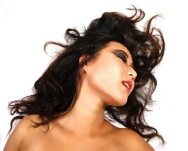 責める快感…男がよがるのを見て快感に目覚める女たち『誘う指先』(前編)