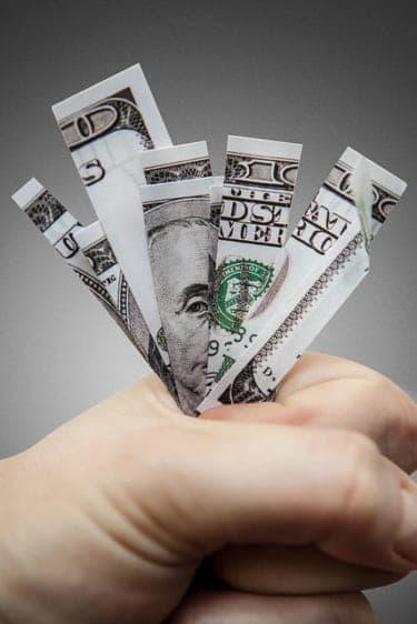 年収400万円男性のリアル財布事情
