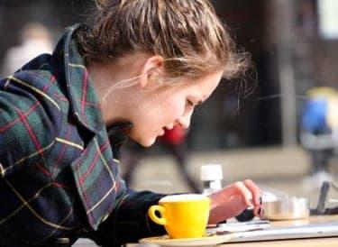 他人と自分の幸せは別もの。あなたにとっての「幸せ」は?/大人女子と子供おばさんの恋愛の違い