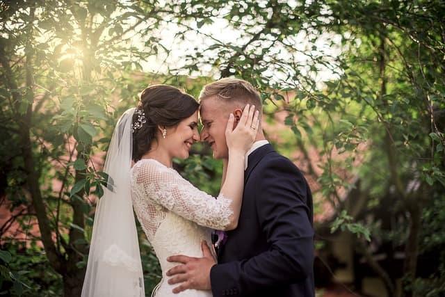 結婚相談所で知り合って結婚したカップルの画像