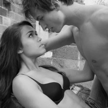 今すぐにでも抱きたい!男性に愛される究極のエロ素肌の秘訣