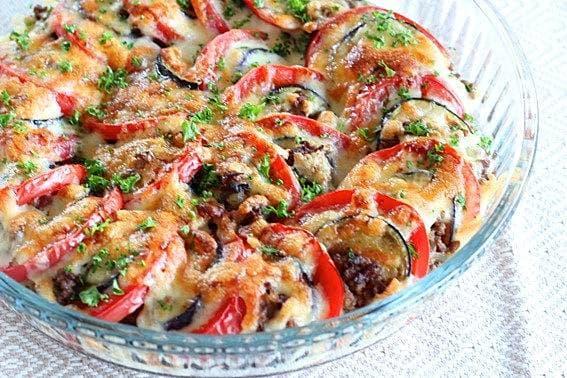 夏のおもてなし!糖度が高い初夏のトマトをシンプルに「トマトと茄子と挽肉の重ね焼き」