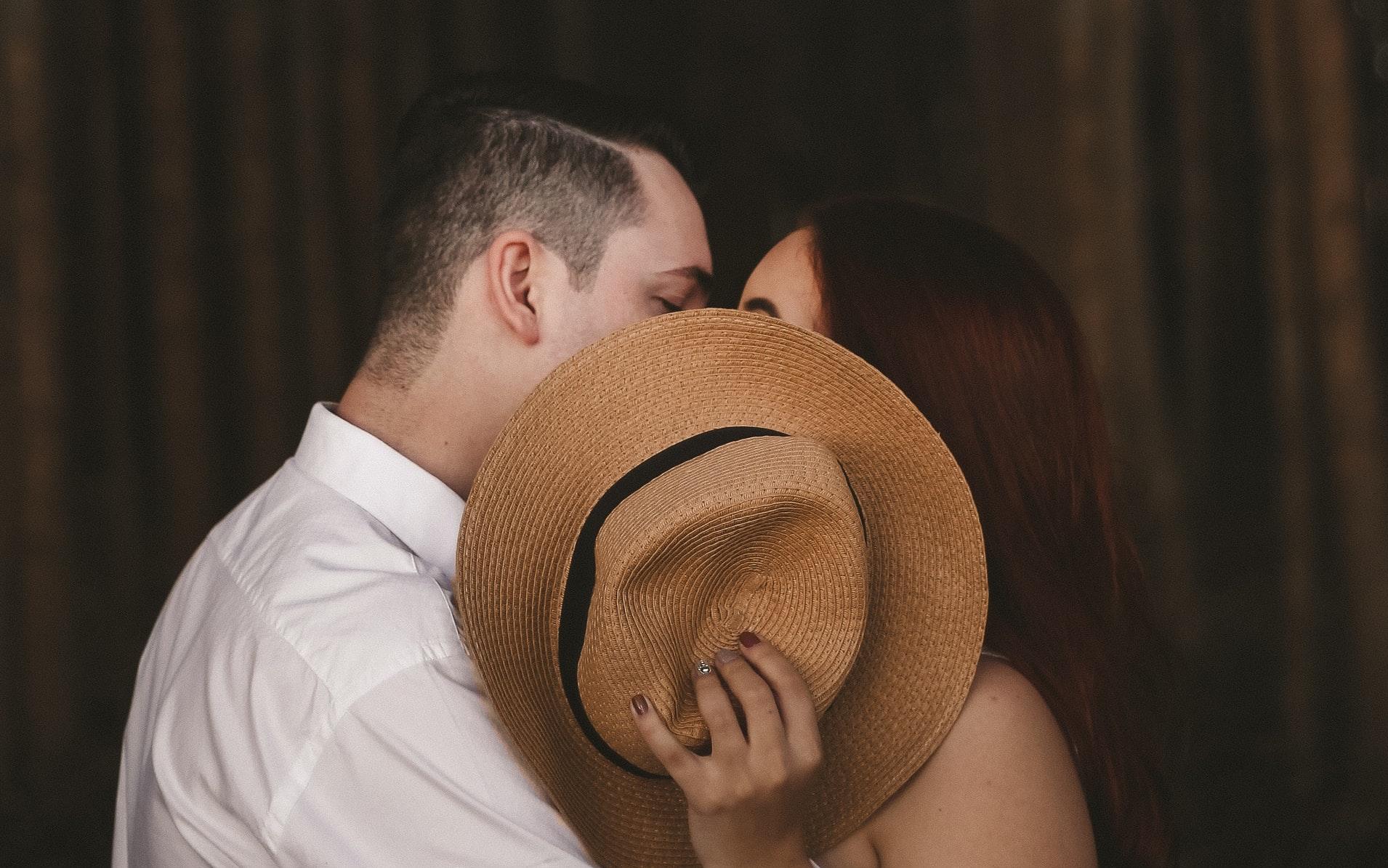 新しい人とやるとセックスにクセがつく?エロいキス、前戯などクセポイント