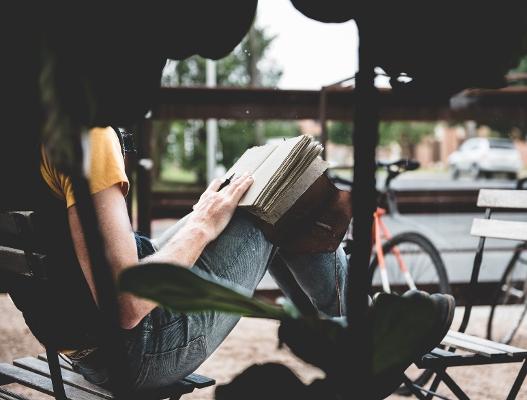 年齢を重ねるごとに深く味わえる小説の存在は、この先の人生をポジティブな気持ちにさせる